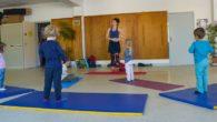 Pourquoi pratiquer le yoga pour enfants ? Le yoga est une pratique ludique qui ne prône ni la comparaison, ni la compétition. Elle permet donc aux enfants de souffler, de […]